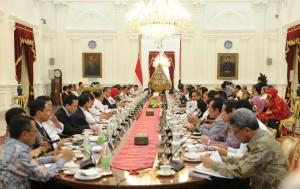 Presiden Jokowi memimpin sidang kabinet paripurna, di Istana Merdeka, Jakarta, Rabu (27/7) sore. (Foto: Jay/Humas)