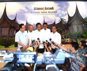 Presiden saat berikan keterangan Pers di Padang (5/7). (Foto: BPMI)