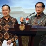 Seskab memberikan penjelasan kepada wartawan usai Sidang Kabinet di Kantor Presiden, Jakarta (23/8). (Foto: Humas/Agung)