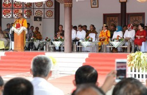 President Jokowi gives directives during his working visit to Nias Regency, North Sumatra, on Friday (19/8)