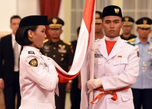 Presiden Joko Widodo (Jokowi) pad Senin (15/8) siang, di Istana Negara, Jakarta, mengukuhkan 67 Pasukan Pengibar Bendera Pusaka (Paskibraka) yang berasal dari 34 provinsi se-Indonesia, dan akan bertugas dalam Peringatan Hari Ulang Tahun Proklamasi Kemerdekaan Republik Indonesia ke-71 tahun 2016 ini.