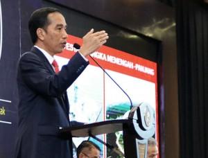 Presiden Jokowi memaparkan program tax amnesty di Semarang (9/8). (Foto: Humas/Oji)