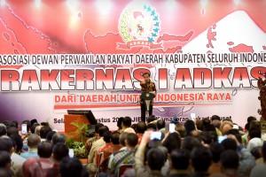 Presiden memberikan sambutan pada Rakernas I ADKASI, Selasa (30/8) sore, di JIExpo Kemayoran, Jakarta. (Foto: Humas/Oji)