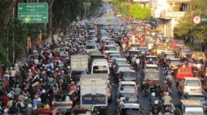 Suasana Jalan Ahmad Yani, Surabaya, yang selalu macet sepanjang hari.