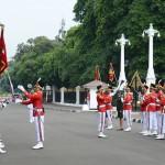 Upacara pergantian pasukan jaga Istana Kepresidenan, Jakarta, Minggu (25/9) pagi. (Foto: Kris/BPMI Setpres)