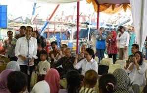Presiden Jokowi saat kunjungan kerja di Banten Minggu (11/9). (Foto: Humas/Jay)