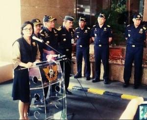 Menkeu Sri Mulyani Indrawati mengumumkan kenaikan cukai rokok, di kantor Ditjen Bea dan Cukai, Jakarta, Jumat (30/9)
