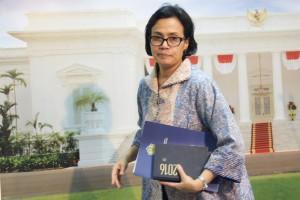 Menkeu usai memberikan penjelasan kepada wartawan hasil Sidang Kabinet di Kantor Presiden, Jakarta, Jumat (16/9) petang. (Foto: Humas/Rahmat).