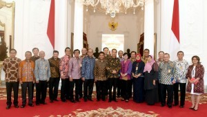 President Jokowi meets with economists and businessmen at the Merdeka Palace, Thursday (22/9)