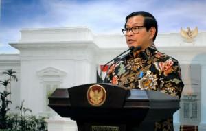 Seskab Pramono Anung memberi keterangan pers usai Ratas Reformasi Hukum (11/10). (Foto: Humas/Jay)