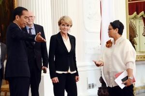 Presiden Jokowi didampingi Menlu Retno Marsudi menerima kunjungan Menlu Australia Julie Bishop, di Istana Merdeka, Jakarta, Rabu (26/10) pagi. (Foto: Agung/Humas)
