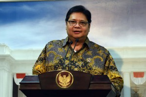 Menperin memberikan keterangan kepada pers usai Rapat Terbatas di Kantor Presiden, Jakarta (4/10). (Foto: Humas/Jay)