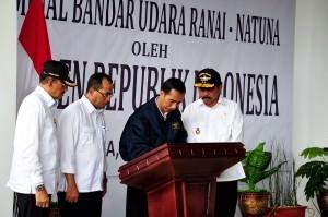 President Jokowi at the inauguration of Ranai Airport, Natuna, Riau Islands, Riau (6/10)