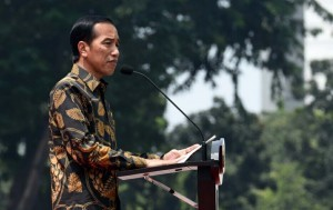 President Jokowi while attending assembly of the Indonesian National Defence Forces (TNI) soldiers, at the TNI Headquarters in Jalan Veteran, Central Jakarta, on Monday (7/11) afternoon. (Photo: BPMI / Presidential Secretariat)