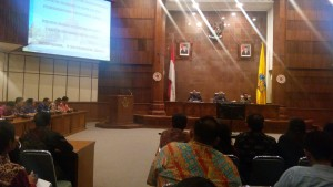 Reses Komisi II DPR RI di Provinsi Bali Rabu (9/11) malam. (Foto: Humas/Dhany)