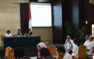 Suasana Exit Meeting yang digelar Biro Akuntabilitas Kinerja dan RB Setkan, di aula Gedung III Kemensetneg, Jakarta, Selasa (15/11) pagi. (Foto: OJI/Humas)