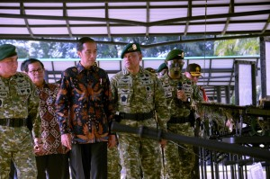 Presiden Jokowi mengunjungi Markas Kostrad, Cilodong, Kota Depok, Provinsi Jawa Barat, Rabu (16/11) pagi. (Foto: Humas/Oji)