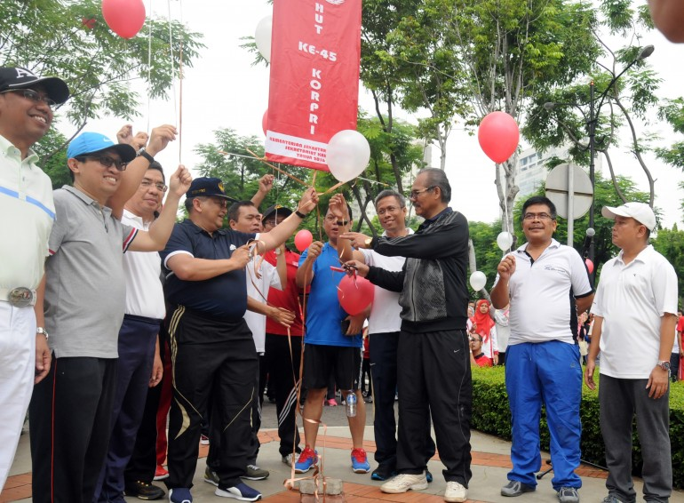 Pembukaan Pekan Olahraga HUT KORPRI di Lingkungan Setkab-Setneg