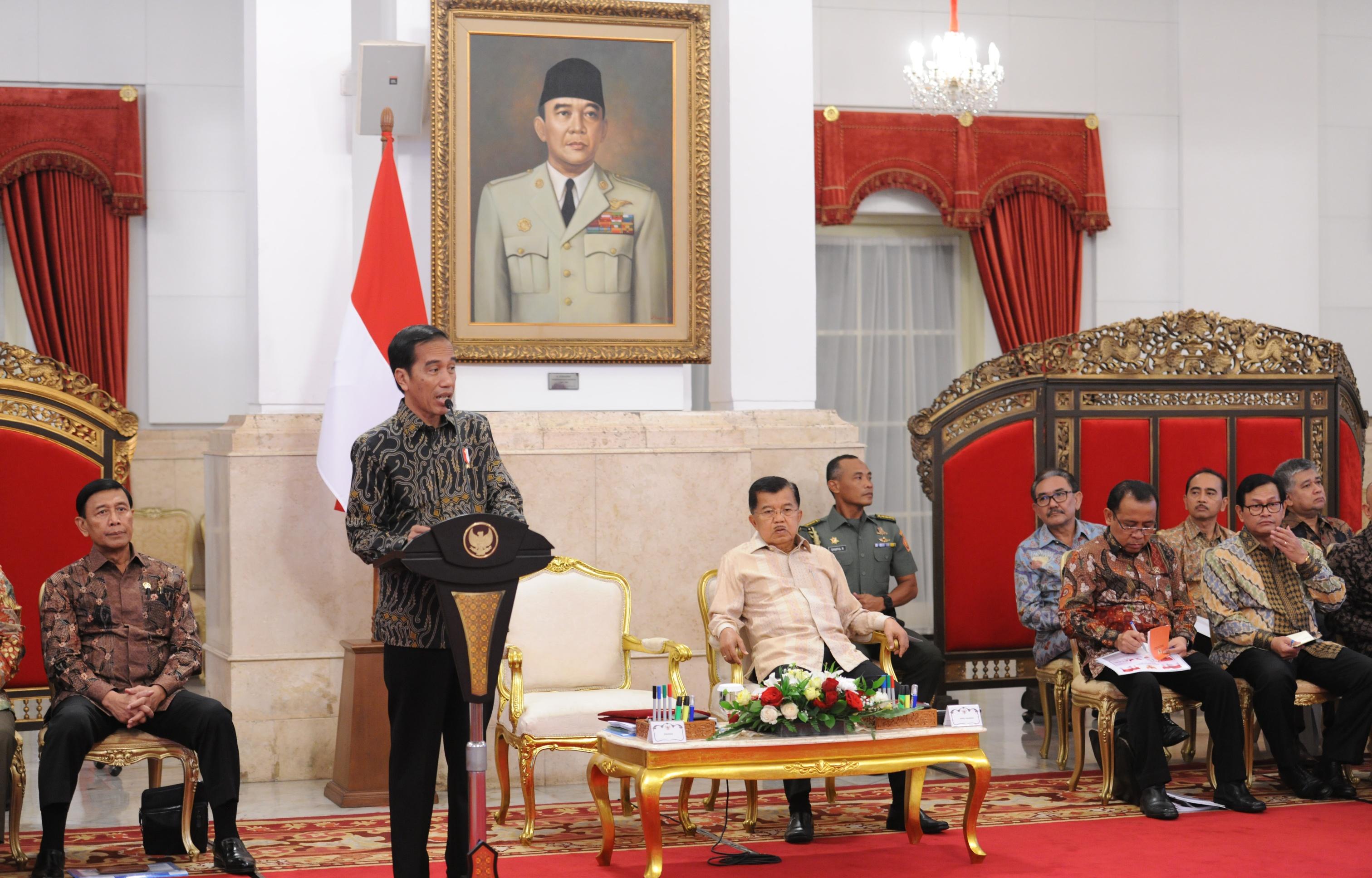 Hasil gambar untuk jokowi rapat paripurna kabinet di istana negara