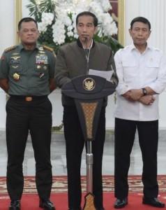 Presiden saat memberikan keterangan kepada pers di Istana Merdeka