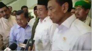 Wapres Jusuf Kalla menemui perwakilan pendemo di Kantor Wapres, Kompleks Istana Jakarta (4/11)