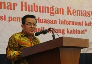 Asdep Humas dan Protokol Al Furkon Setiawan saat memberikan sambutan pada