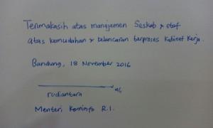 Goresan tangan Menkominfo Rudiantara kepada Setkab (Foto: Humas/Jay)
