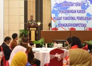 Deputi Dukungan Kerja Kabinet Yuli Harsono membuka acara