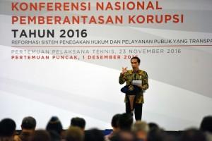 Presiden Jokowi pada acara Konferensi Nasional Pemberantasan Nasional Tahun 2016, Kamis (1/12). (Foto: Humas/Jay)