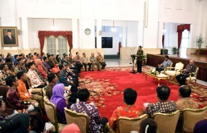 President Jokowi delivers his remarks at the conferment ceremony of the 2016 AdhikaryaPangan Nusantara (APN) Awards at the State Palace, Wednesday (30/11). (Photo by: Public Relations Division/Jay)