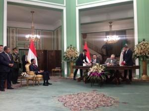 President Joko Widodo witnessed the signing of cooperation between Indonesia and Iran, in Tehran, Wednesday (14/12) afternoon. (Photo: Bouweda/PR)