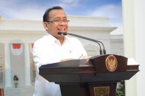 Mensesneg Pratikno memberikan keterangan pers usai ratas, Kamis (29/12) sore, di Kantor Presiden, Jakarta (Foto: Humas/Deni)