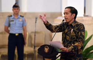 President Jokowi delivers his remarks at the gathering with stakeholders of sharia finance at State Palace, Jakarta, Friday (23/12). (Photo by: Public Relations Division: Jay)