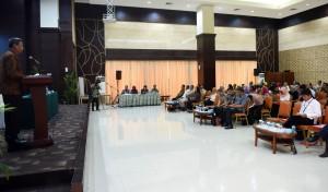Deputi DKK Seskab Yuli Harsono memberikan sambutan pada pembukaan Sosialisasi Jabatan Fungsional Penerjemah, di aula III Gedung III Kemensetneg, Jakarta, Rabu (14/12) pagi. (Foto: Rahmat/Humas)