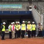 Presiden Jokowi meninjau persiapan sejumlah venue Asian Games 2018, di Gelora Bung Karno, Jakarta, Jumat (2/12) pagi. (Foto: Anggun/Humas)