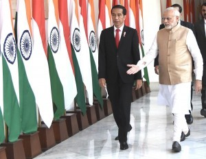 Prime Minister Narendra Modi welcomes President Jokowi at Hyderabad House, New Delhi, Monday (12/12) afternoon (Picture: Press, Media, and Information Bureau/Rusman)