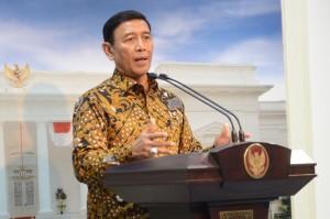 Menko Polhukam Wiranto memberikan keterangan pers usai ratas, di Kantor Presiden, Jakarta, Kamis (29/12) sore.