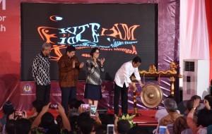 President Jokowi when launching KITE facility for IKM, at Tumang Copper Crafts Center, Boyolali Regency, Monday (30/1). (Photo: PR/Oji)