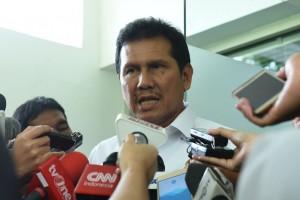 Menteri PANRB Asman Abnur menjawab wartawan usai rapat terbatas, di Kantor Presiden, Jakarta, Rabu (18/1) sore. (Foto: Deny S/Humas)