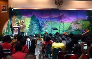 Perayaan Natal Oikumene 2016 Lembaga Kepresidenan dan Kementerian Koordinator, di Gedung Krida Bakti, Jakarta, Minggu (8/1) malam. (Foto: Humas/Jay)