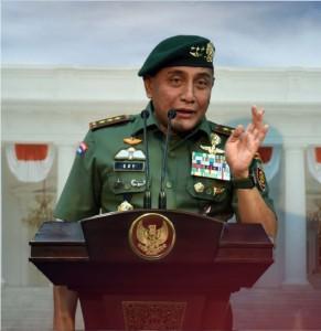 Ketua Umum PSSI Edy Rahmayadi memberikan keterangan pers di Kantor Presiden, Jakarta, Selasa (24/1) sore. (Foto: Humas/Jay)