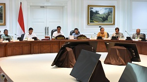 President Jokowi leads a Limited Meeting on Economic Equality Policy on Tuesday (7/2), at the Presidential Office, Jakarta