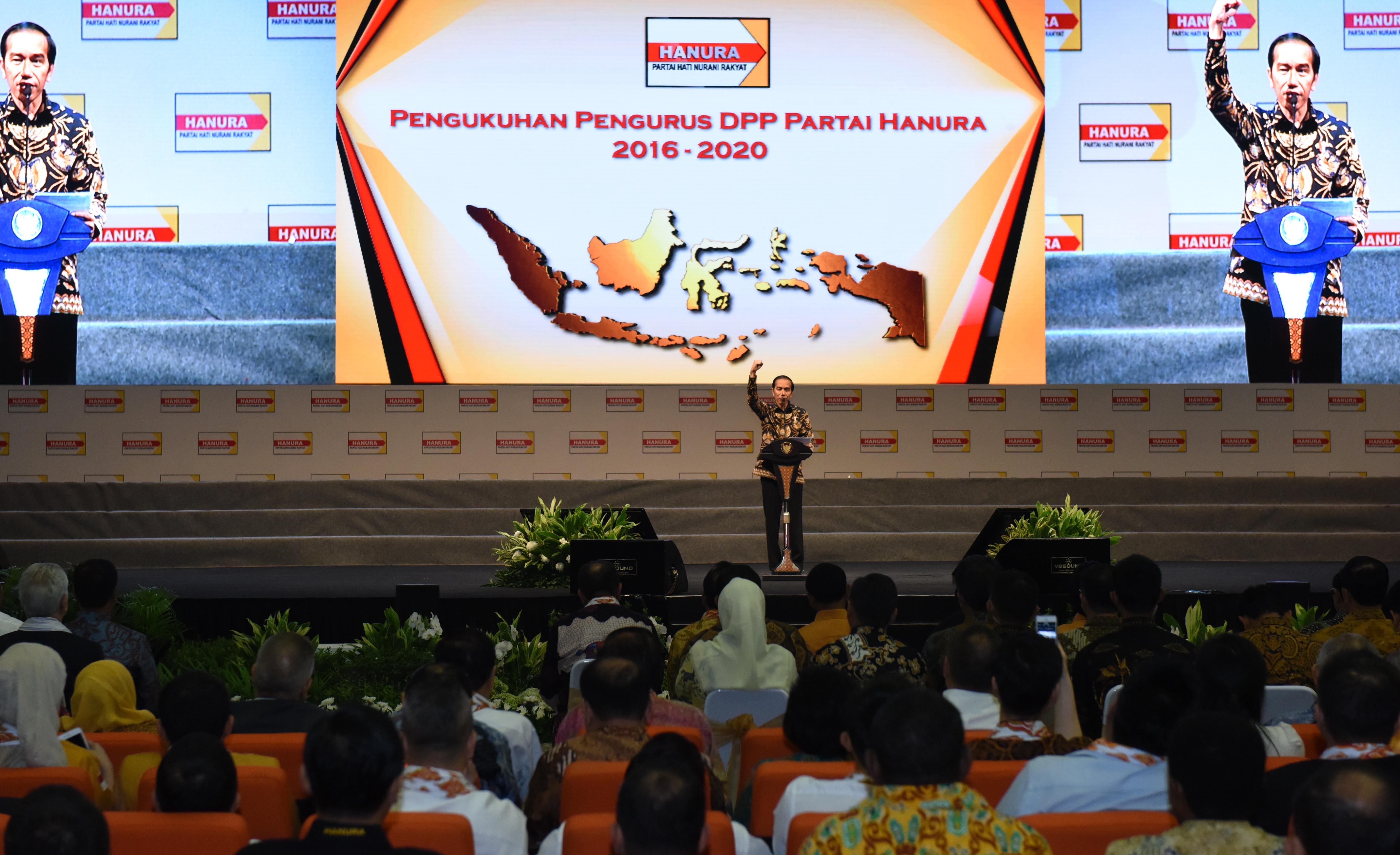 Presiden Jokowi menyampaikan sambutan pada acara Pengukuhan Pengurus Dewan Pimpinan Pusat (DPP) Partai Hanura, di Sentul International Convention Center (SICC), Bogor, Jawa Barat, Rabu (2/2) pagi. (Foto: OJI/Humas)