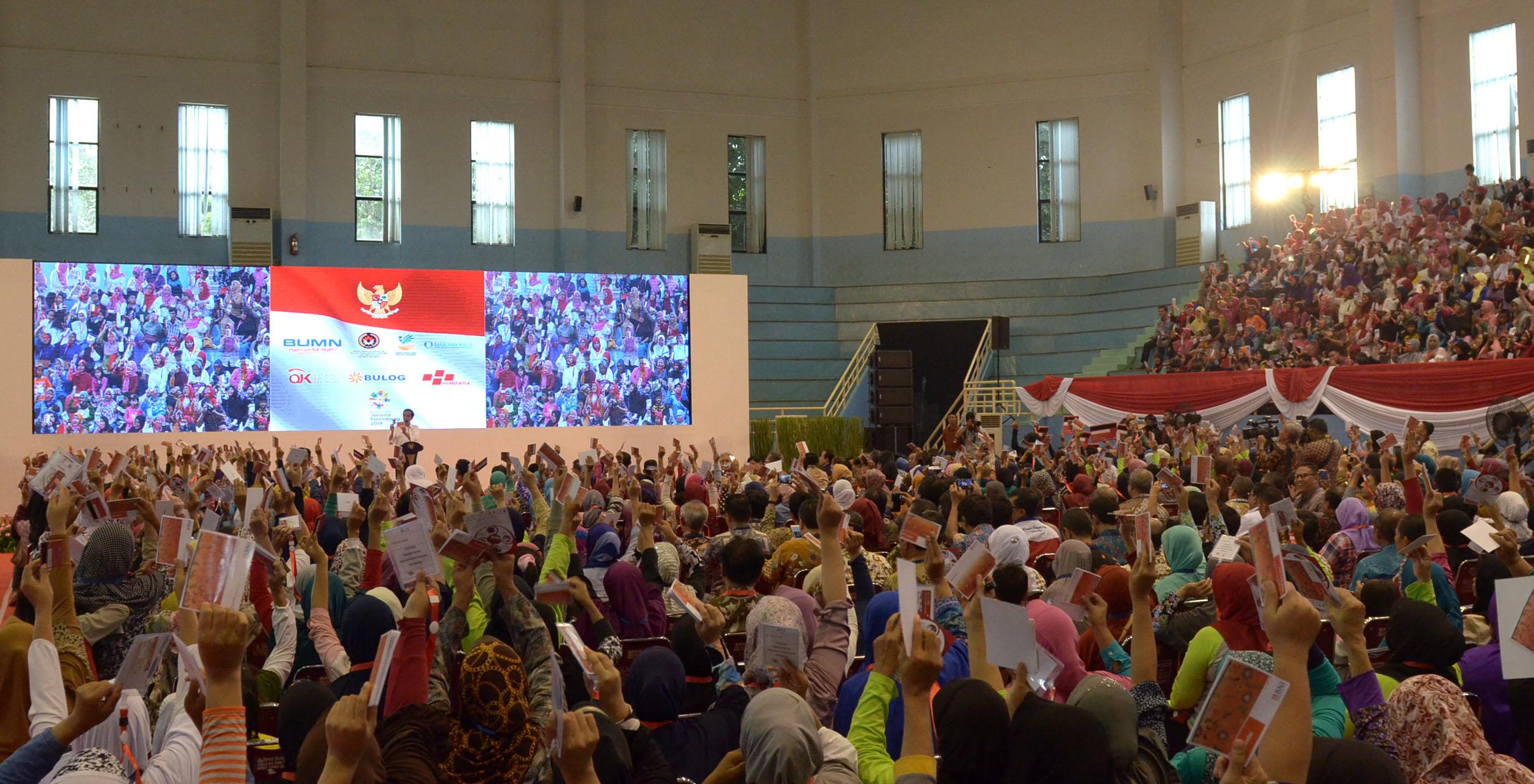 Presiden Jokowi saat luncurkan program BPNT di Gedung Olahraga Popki, Cibubur, Kamis (23/2). (Foto: Humas/Oji)