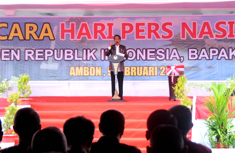 Presiden Jokowi memberikan sambutan pada Puncak peringatan Hari Pers Nasional 2017, di Ambon, Maluku, Kamis (9/2) pagi. (Foto: Humas/Agung)