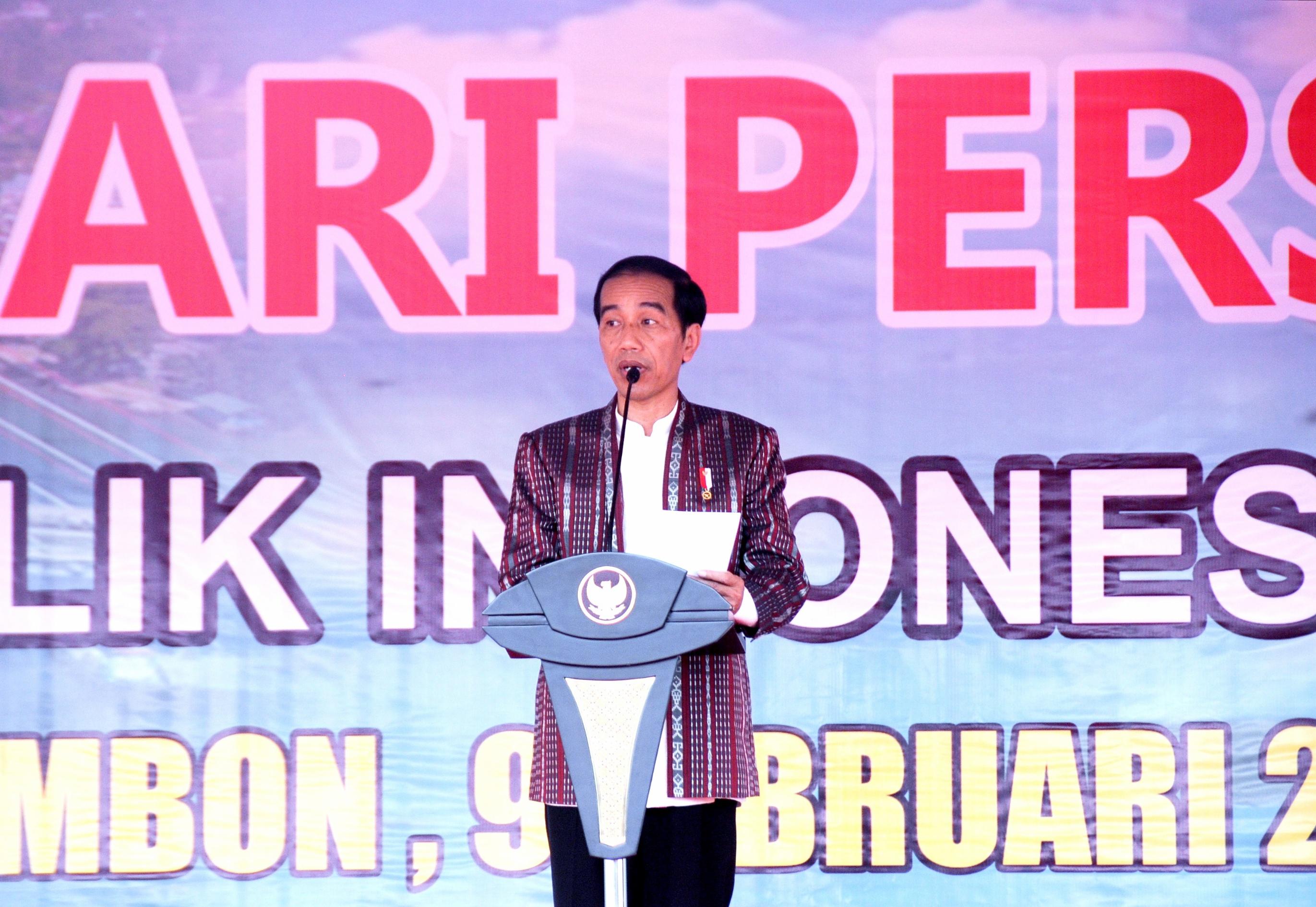 Presiden Jokowi memberikan ncak peringatan Hari Pers Nasional (HPN) 2017, di Ambon, Maluku, Kamis (9/2) pagi.
