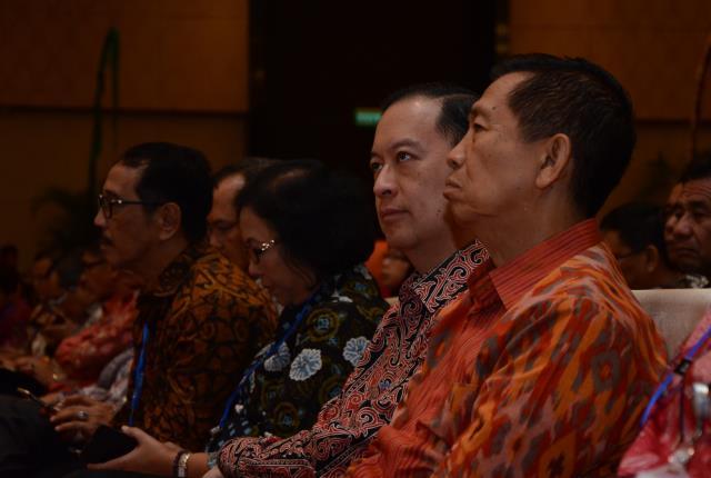 Kepala BKPM saat ikuti Rakornas dengan Dinas Penanaman Modal dan Pelayanan Terpadu Satu Pintu (DPMPTSP) se Indonesia, di Nusa Dua Convention Centr (NDCC), Nusa Dua, Bali, Jumat (24/2) siang. (Foto: Humas/Jay)