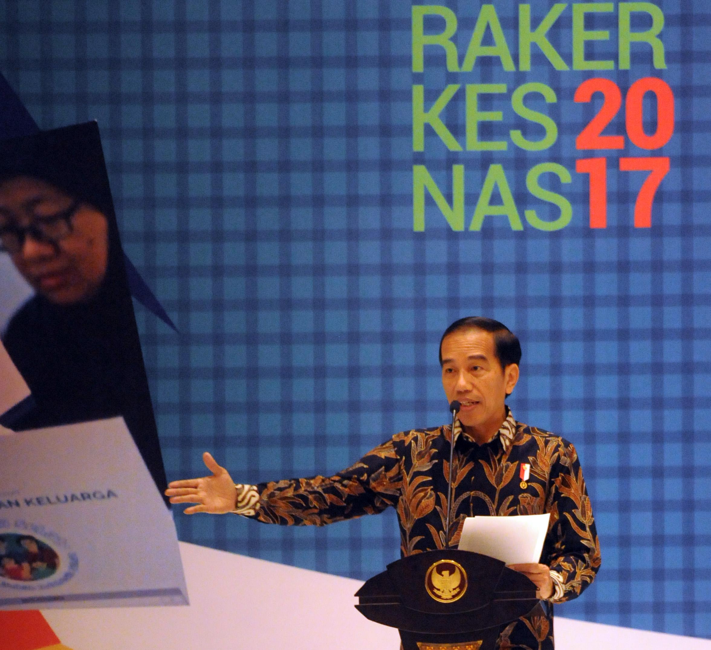 Presiden Jokowi memberikan sambutan pada pembukaan Rapat Kerja Kesehatan Nasional 2017, di Bidakara, Jakarta, Selasa (28/2) pagi. (Foto: Rahmat/Humas)