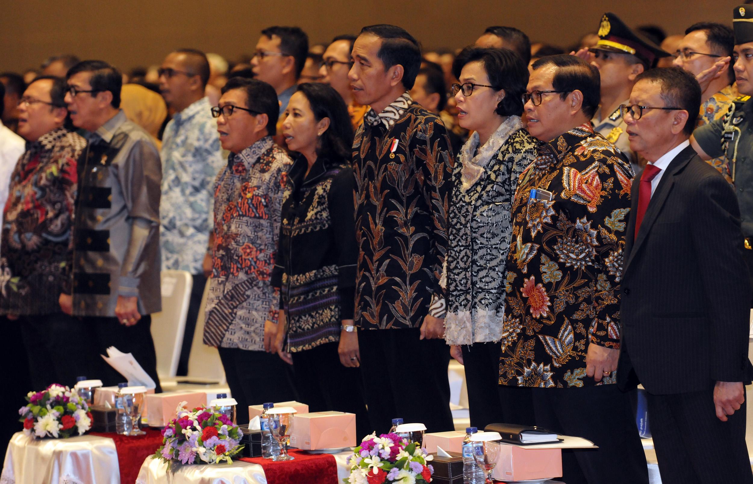 Presiden Jokowi didampingi sejumlah menteri menghadiri Sosialisai Tahap Akhir Amnesti Pajak, di JI-EXPO, Kemayoran, Jakarta Pusat, Selasa (28/2) siang. (Foto: Rahmat/Humas)