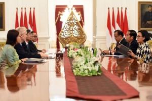 Presiden Jokowi menerima delegasi ADB, di Istana Merdeka, Jakarta, Rabu (1/2) pagi. (Foto: Humas/Rahmat)